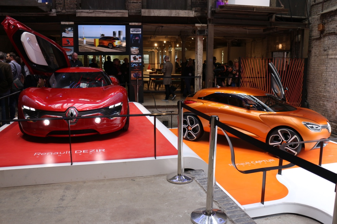 Renault_CDW_entrance[1]