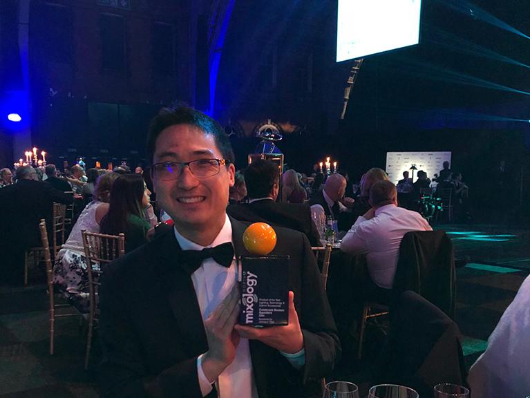 Alex_with_Award